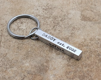 Kids Names Keychain For Dad, Daddy Established Hand Stamped Bar Keychain, Personalized Key Chain, Father's Keychain, Daddy EST Date