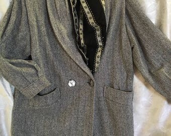 Herring Bone Tweed Woman's Coat /by Noble Fashions/ Size 9/10