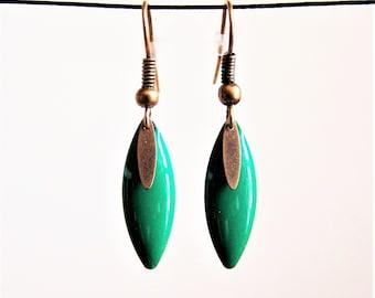 Earrings fine shuttle enameled dark green