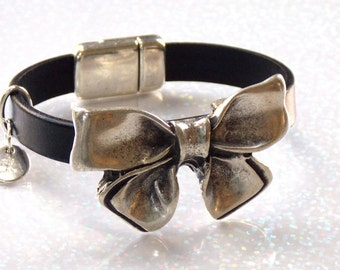 Leather Bow Bracelet, Black Leather Bracelet, Great Gift for Wife or Girlfriend, Leather Bow Cuff Bracelet