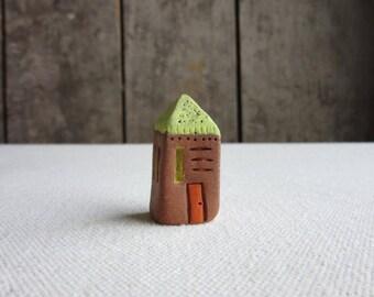 Tiny Ceramic House,Terrarium Cottage,Miniature Pottery Stoneware House Figurine,Small Primitive House,Terrarium Mini House,Primitive Cottage