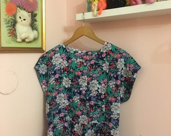Super cute 90's flower blouse kawaii vintage 80's