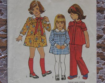 Vintage Simplicity Sewing Pattern no.7063 from 1975