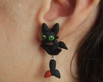 Toothless earring, inspired in How to train your dragon. Select 1 earring or a pair (2 in ''quantity'')