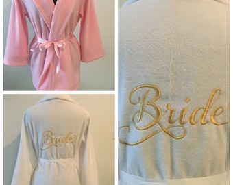 Bride's Robe, Bride Robe, Monogrammed Robe, Custom Robe, White Robe, Short Robe, Personalized Robe, Fleece Robe, Fluffy Robe, Cozy Robe