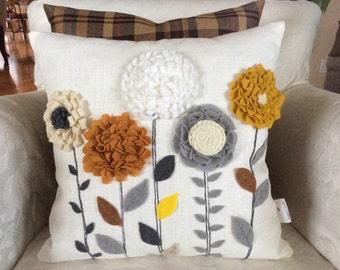 Floral Felt Appliques Pillow, 3D Pillow Cover, 3D Floral Appliqué Pillow, Floral Pillow, Decorative Pillow, Floral Cushion, Accent Pillow