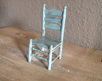 Small chair 1:12 for the doll house-Shabby chic!