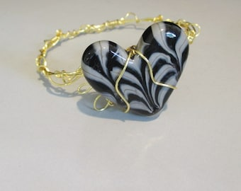 Popular Style Bracelet Heart Lamp Work and Yellow Gold Color Non Tarnish Wire