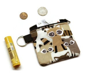 Adorable raccoons zippered coin purse pouch, change/cards bag. Fun gift idea under 10.