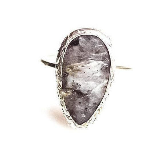 Silver Black Labradorite Ring ,Minimalist Ring, Simple Labradorite Ring , Natural Gemstone Ring, Dainty Ring, Adjustable Ring ,Gift For Her