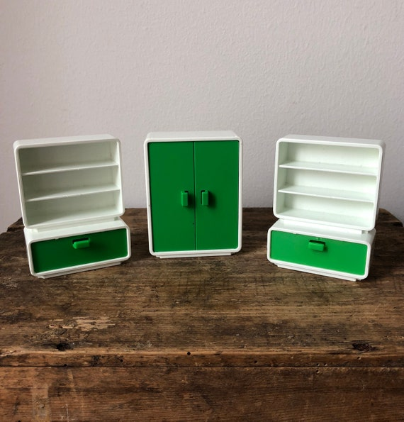 Vintage playmobile dollhouse furniture from 1981 / hard plastic / retro style green and white