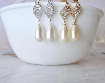 Swarovski Pearl Drop Earrings Sterling posts Elegant Brides earrings Pearl wedding bridal earrings Mother of the bride Classic Jewelry