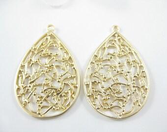 2 PC Gold Filigree Pendants, Earring Components, Metal Jewelry Findings 30mm x 20mm