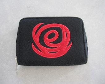 Black vintage purse red pattern