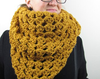 Chunky Shawl, Triangular Chunky Shawl, Crochet chunky Shawl, Winter accessories, Chunky Scarf,