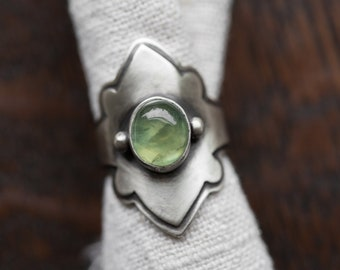 Yavanna Ring. size 7.5 ( green prehnite gemstone ring. antique sterling silver. green nature jewelry )