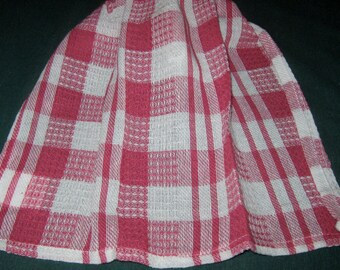 Crochet hanging Towel, red and white plaid, white top