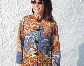 Vintage 1970s Asian Novelty Print Bed Jacket M/L