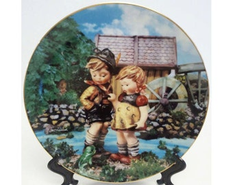 M.I. Hummel Hello Down There Little Companions Collectors Plate Danbury Mint 1990 Registered R3216