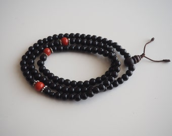 Black Onyx - 7mm round beads with coral spacers - 108 beads