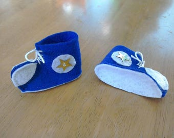 Felt Larger elf doll trainers in blue