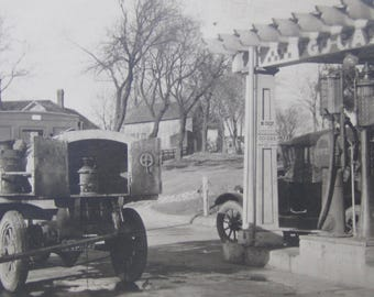 Original 1920's Hawkeye Oil Go-Gas Gas Station Snapshot Photo - Free Shipping