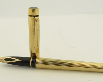 """SHEAFFER 14k Nib Fountain 5.5"""" Pen, Manufactured 1976-1999 Stamped Gold Electro Plated Casing"""