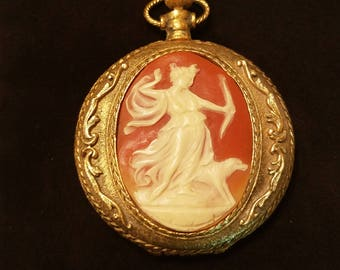 Vintage Max Factor Pocket Watch Style Greek Goddess Cameo Powder Compact - Gold Tone - Unused 1950 - 1978