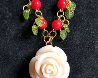 Beautiful white rose necklace