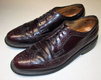 Vintage DEXTER Mens Size 9.5 D  Wingtips Oxfords Dress Shoes. Cordovan/Burgundy color laceup brogues. MADE in USA!