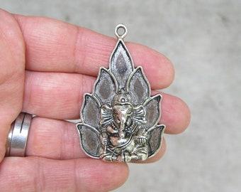 1 Ganesha Charm in Silver Tone - C2747