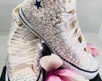 Wedding Converse- Bridal Sneakers- Bling & Pearls Custom Converse Sneakers- Bridal Chuck Taylors- Wedding Sneakers- Converse hochzeit- Bride