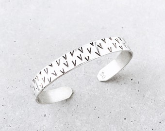 V Pattern Cuff / sterling silver / geometric tribal pattern stacking bracelet