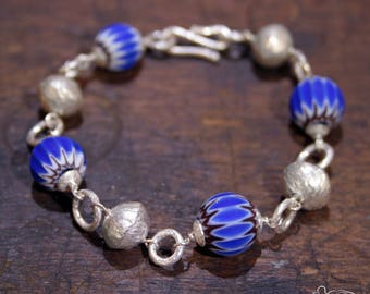 Trade beads bracelet with silver inclusions
