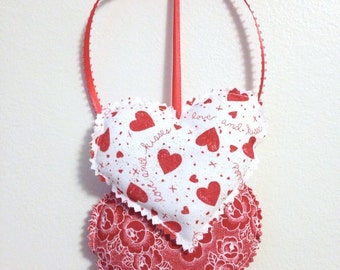 Red and White Hearts Wall hanging, Fabric Hearts Wall Hanging, Valentine Decorations