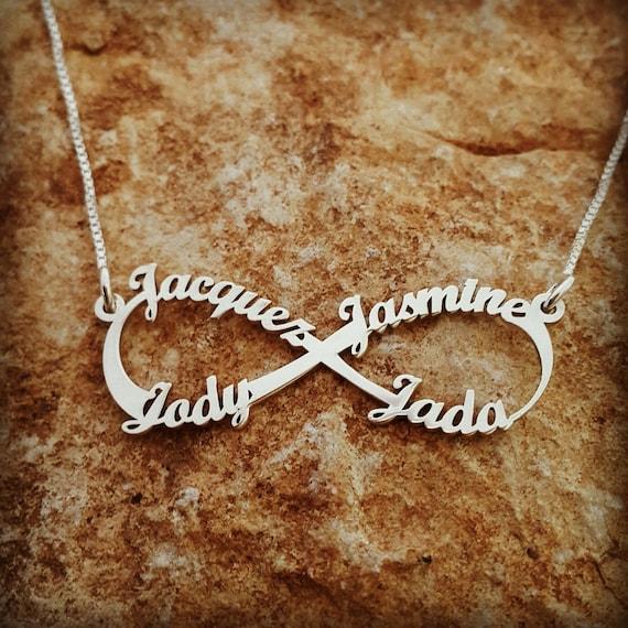 Personalisierte Infinity Halskette 4 Namen Halskette / Familie