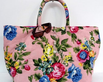 Maxi large bag with handles made of cotton printed pastel pink shalimar with door key/bag charm