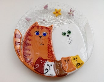 Fused glass plate.  Decorative plate with cats. Fused glass home decor. Fused glass wall art. Cats family. Kitten Art Glass. Made to order.