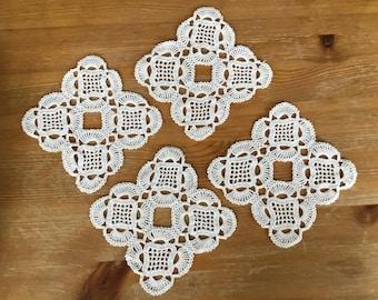 4 pcs Doily Set, Vintage 1950s, Handmade Crochet Doilies, Farmhouse Decor, White Doily, Crochet Doilies, Vintage Home Decor, Country Cottage