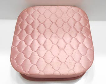 Vintage Light Pink Quilted Satin Hanky Box (32)