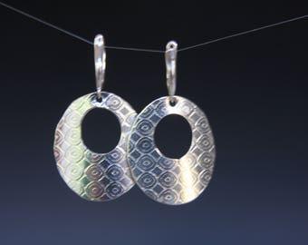 Sterling silver geometric round circle hoop textured leverback earrings