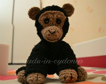 "Chimpanzee crochet  ""MALONEY CHIMP"""