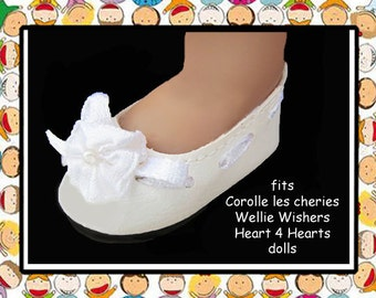 Vintage 2-1/8 in x1-1/8 in White Slip-On Doll Shoes / Hearts 4 Hearts Girls / 14 H4H girls shoes / Wellie Wishers /Corolle les cheries shoes