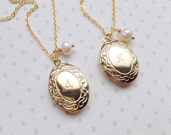 Gold Oval Locket with Initial / Engraved Date Lockets / Wedding Date Necklace Gold / Childrens Locket with Initial