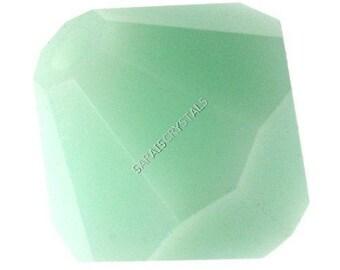 50 pcs Swarovski 5301 Bicones 4mm Mint Alabaster