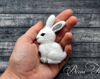 Hare brooch White Rabbit Pin Needle felted animal  Rabbit figurine Little rabbit  White brooch Rabbit jewelry Animal jewelry Animal Pin