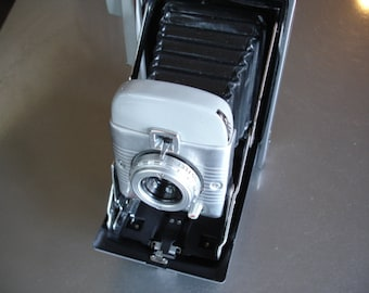 Wow - Vintage Polaroid Model 80 Land Camera