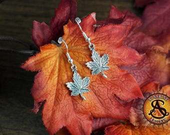 Maple Leaf earrings, dangle earrings, Leaves, Autumn, Nature, boho earrings, silver plated or surgical steel ear wires, earring stoppers