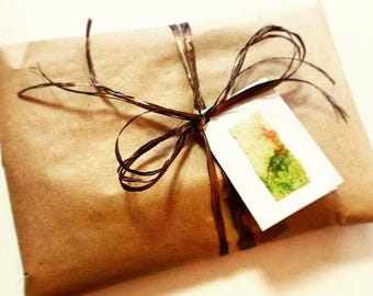 Gift wrapping   mothers day gift   wrapping a gift   birthday gift wrapping   Christmas gift   gift wrap
