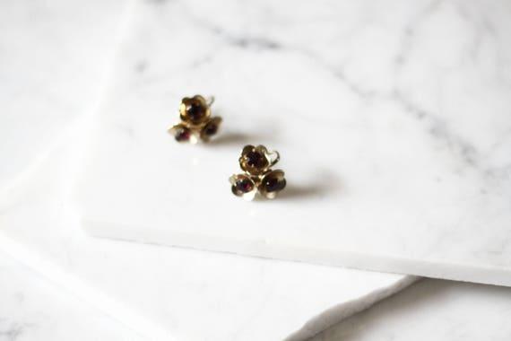 1960s gold flower earrings // 1960s Coro earrings // vintage earrings